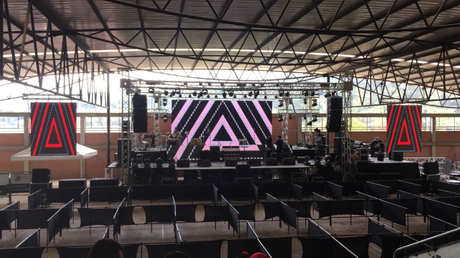 Sanway GEOS1210 line array in Colombia.jpg
